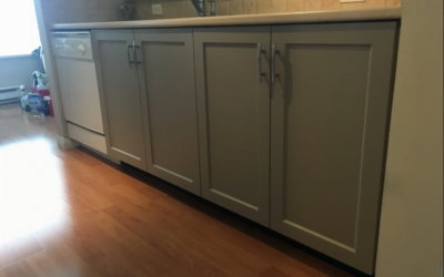 Want a new kitchen? Consider cabinet refacing
